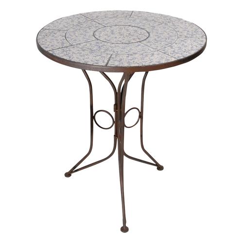 Gartentisch mit Keramikkacheln.