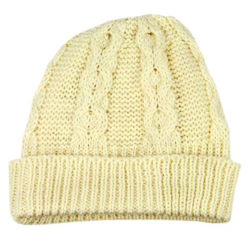 Aran-Mütze aus Wolle, beige.