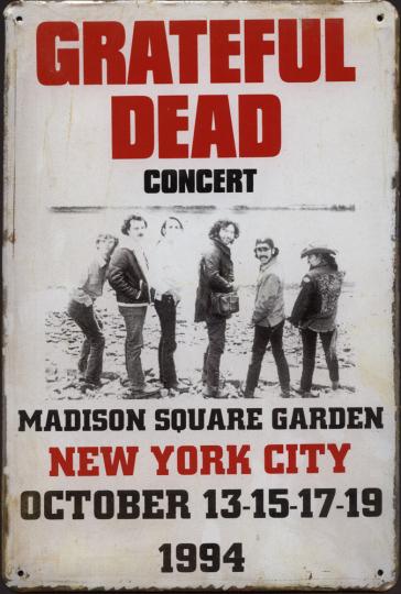 Blechschild »Grateful Dead«.