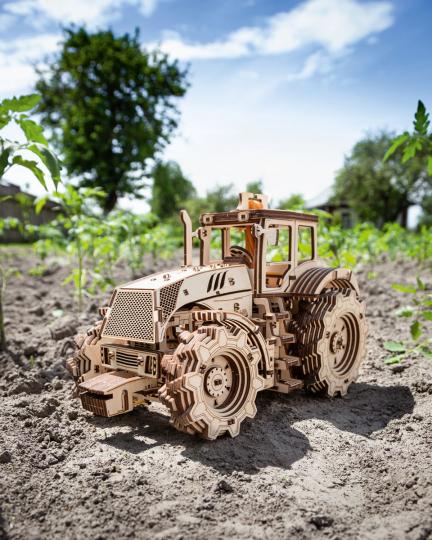 Holzbausatz »Traktor«.