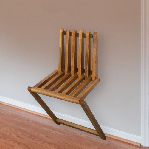Massivholz-Klappstuhl aus Eiche.