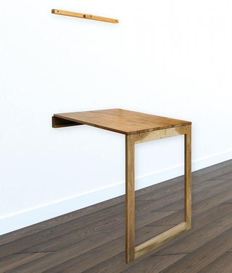 Massivholz-Klapptisch mit Tafel, aus Eiche.