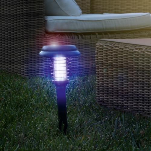 Solar-Gartenlampe zur Mückenabwehr.
