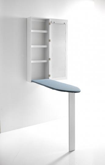Spiegel-Wandschrank mit Bügelbrett.