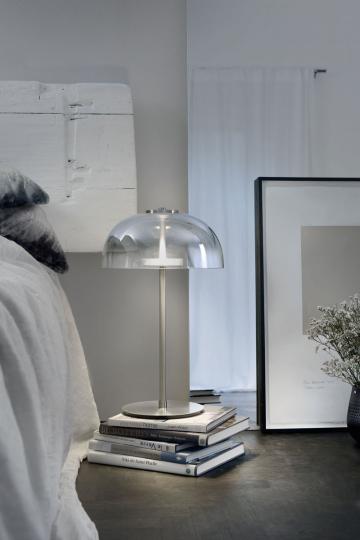 Villeroy & Boch-Lampe mit Glasschirm.