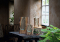 Große Vase mit Holzelement. Bild 2