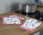 Ofenhandschuh und Topflappen Set »Wilde Erdbeeren«. Bild 4